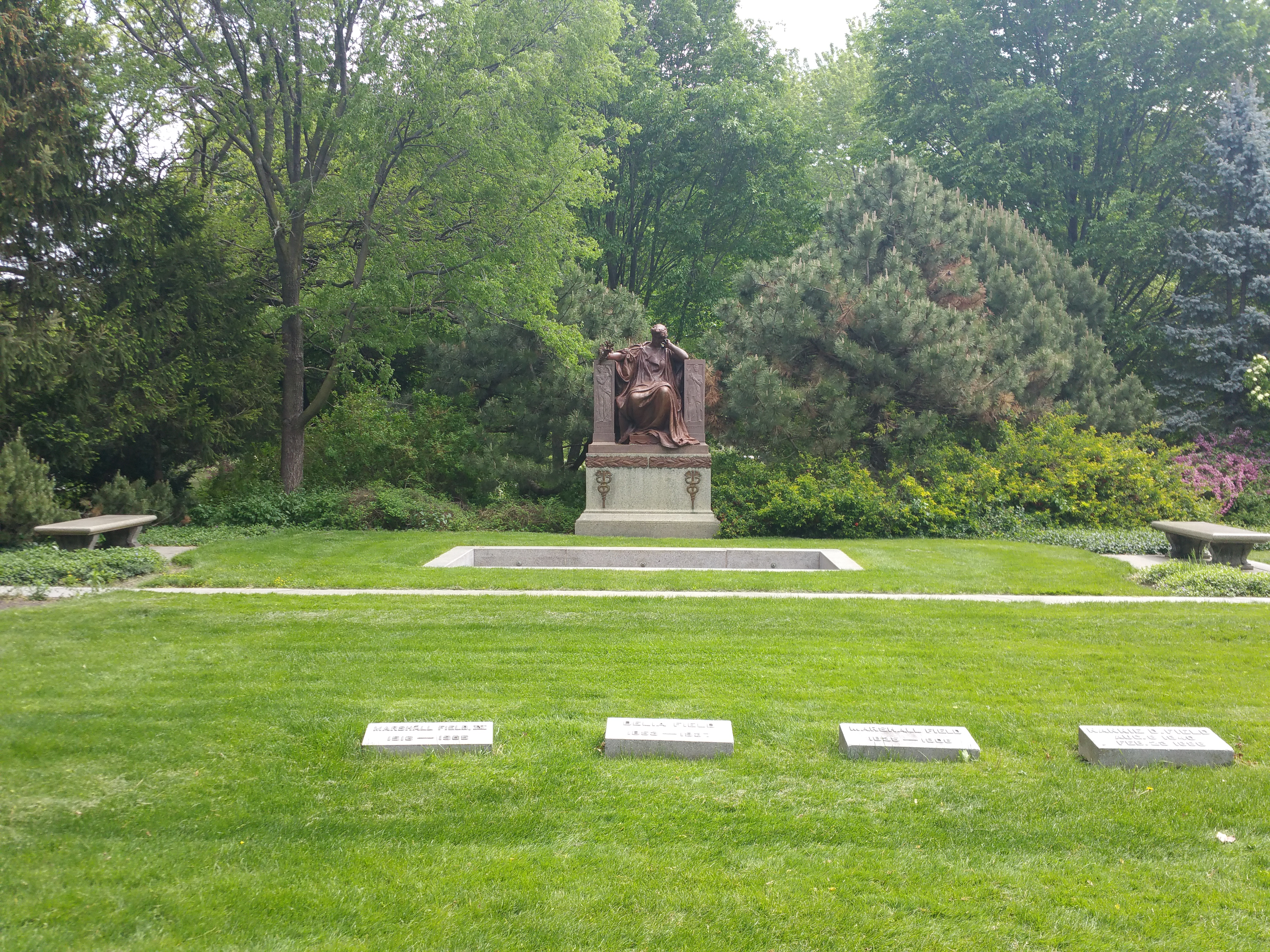 Marshall Field grave site